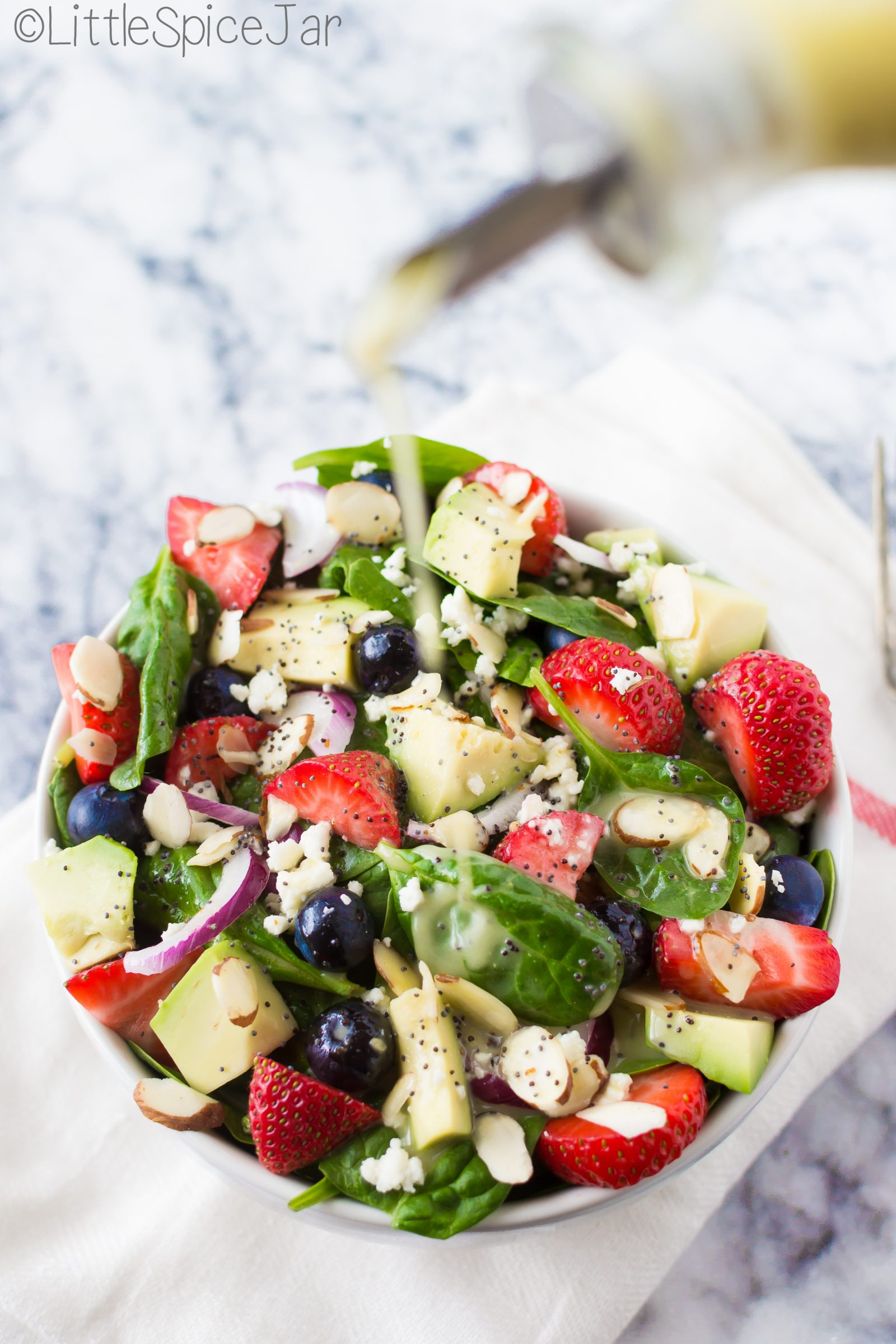 BERRY SPINACH SALAD + CITRUS POPPY SEED DRESSING - Little Spice Jar
