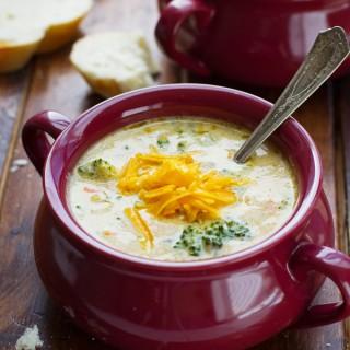 Creamy-Broccoli-Cheese-Soup-6