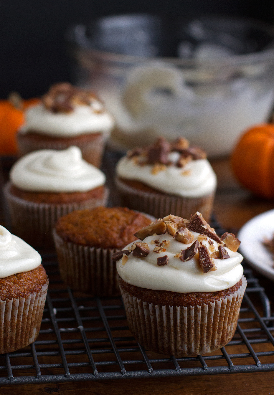 Moist-Pumpkin-Cupcakes-with-Maple-Cream-Cheese-Frosting-2