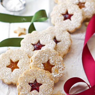 Linzer-Cookies-12-(cropped)